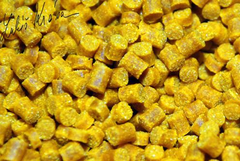 Lk baits pelety kukuričné - 10 kg 8 mm